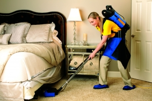 An Alexandria VA Home Getting An Efficient Maid Cleaning Service
